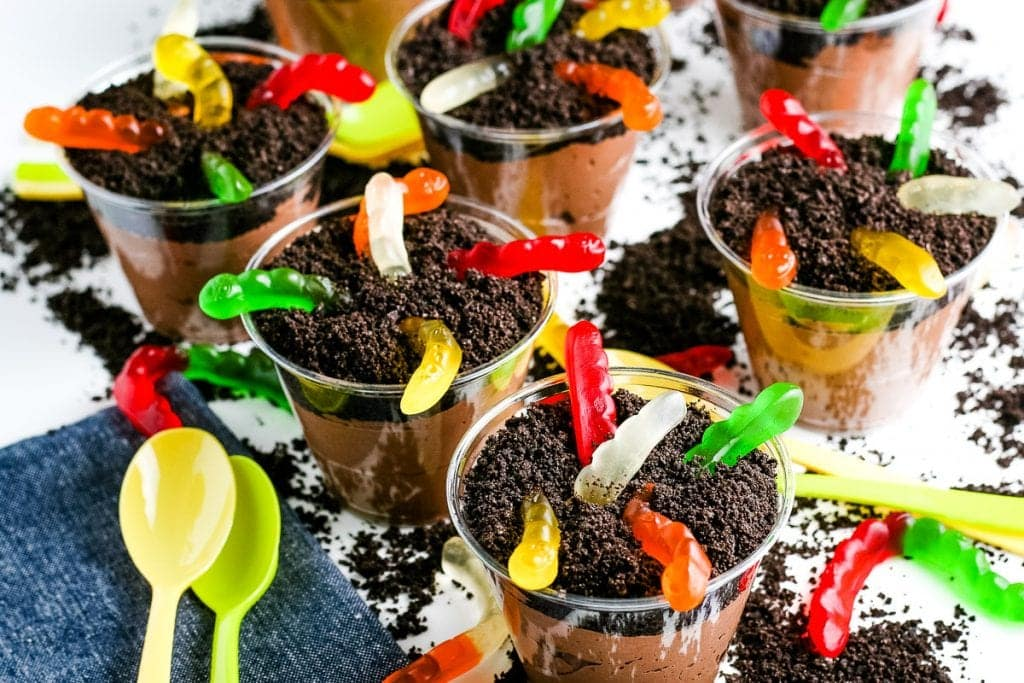 Oreo Dirt Cups with gummy worms