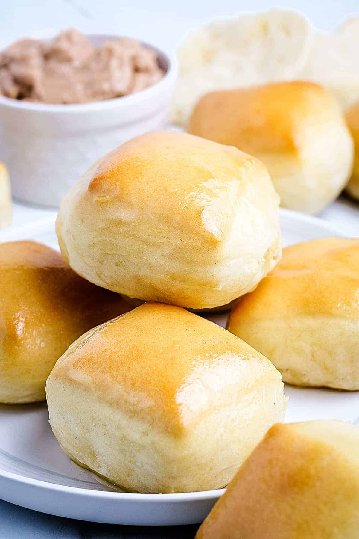 Texas Roadhouse Rolls on a white plate