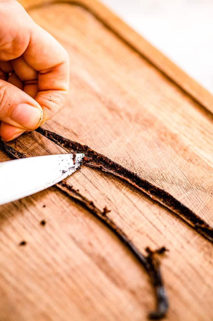 Scraping vanilla out of vanilla beans